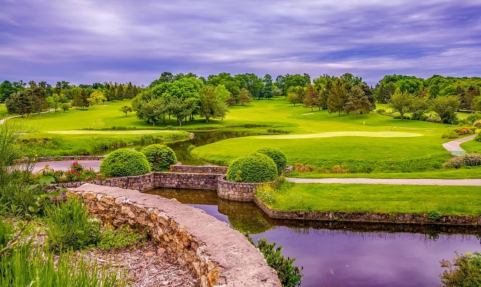 Different-types-of-golf-greens